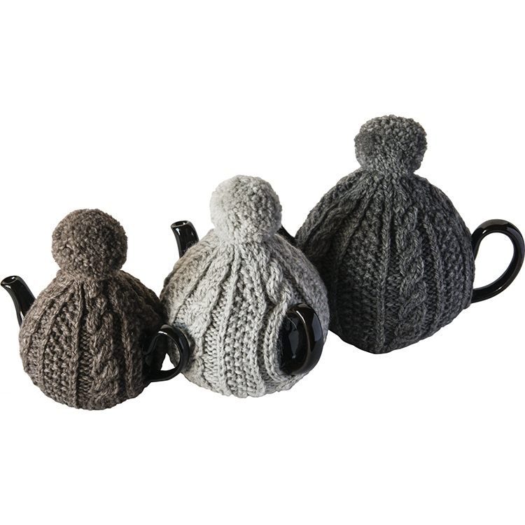 ウールケーブル編みのティーコゼ